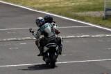 VIDEO: Competitie neobisnuita cu scutere22464