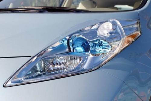 Nissan Leaf costa 38.500 dolari22320