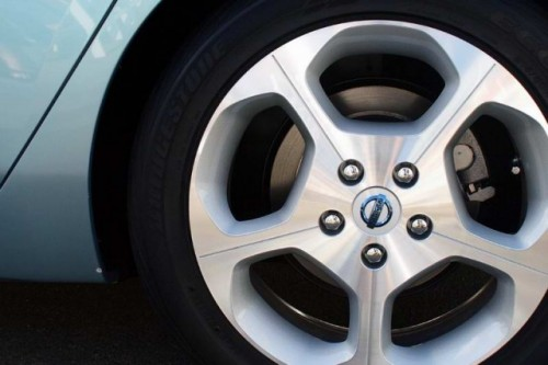 Nissan Leaf costa 38.500 dolari22326