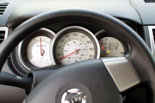Nissan Leaf costa 38.500 dolari22353