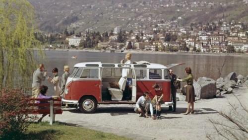 Volkswagen Transporter a implinit 60 de ani22189