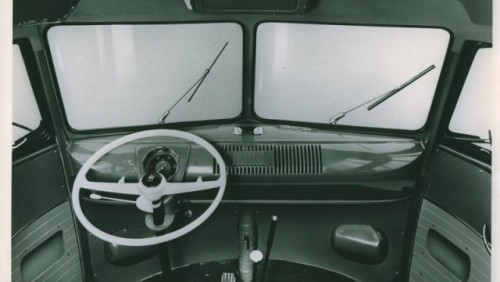 Volkswagen Transporter a implinit 60 de ani22197