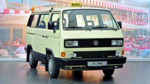 Volkswagen Transporter a implinit 60 de ani22208
