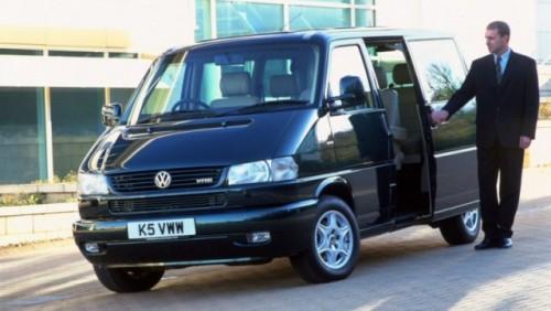 Volkswagen Transporter a implinit 60 de ani22210