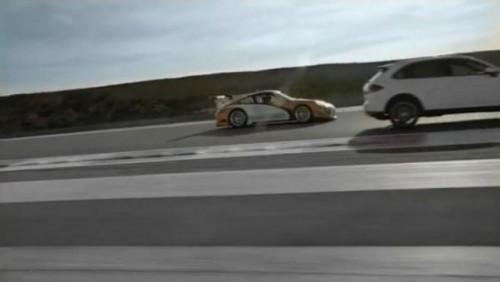 VIDEO:  Porsche 911 GT3 R Hibrid si Cayenne S Hibrid22080