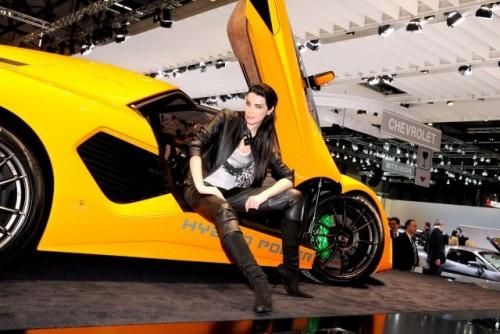 Galerie Foto: Fetele Salonului Auto de la Geneva21444