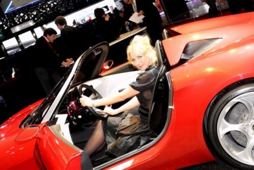 Galerie Foto: Fetele Salonului Auto de la Geneva21445