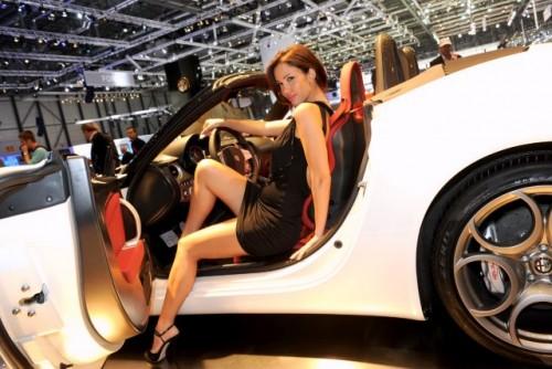 Galerie Foto: Fetele Salonului Auto de la Geneva21446