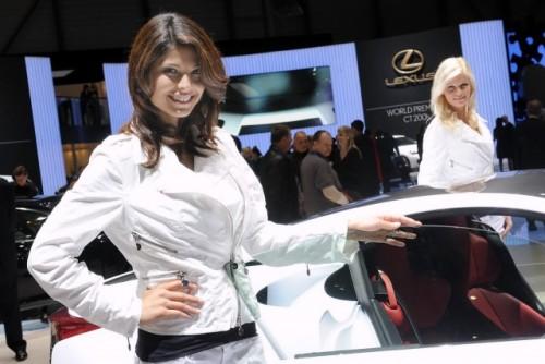 Galerie Foto: Fetele Salonului Auto de la Geneva21452
