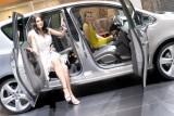 Galerie Foto: Fetele Salonului Auto de la Geneva21453