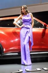 Galerie Foto: Fetele Salonului Auto de la Geneva21455