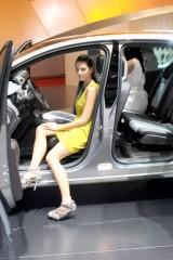 Galerie Foto: Fetele Salonului Auto de la Geneva21457