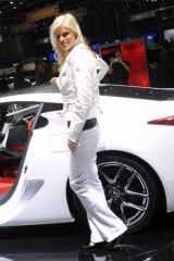 Galerie Foto: Fetele Salonului Auto de la Geneva21458