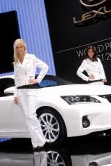 Galerie Foto: Fetele Salonului Auto de la Geneva21459