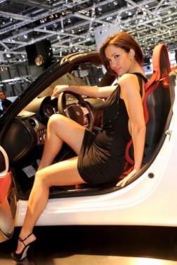 Galerie Foto: Fetele Salonului Auto de la Geneva21465