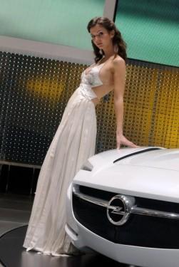 Galerie Foto: Fetele Salonului Auto de la Geneva21480