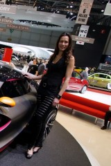 Galerie Foto: Fetele Salonului Auto de la Geneva21483