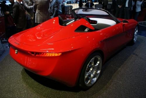 Geneva LIVE: Pininfarina 2uettottanta, concept pentru Alfa Romeo 15921059