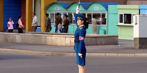 VIDEO: Cum se dirijeaza traficul in Coreea de Nord20831