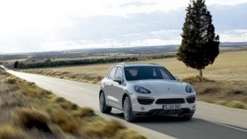 Iata noul Porsche Cayenne!20587