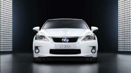 FOTO: Brosura noului Lexus CT-200h20518