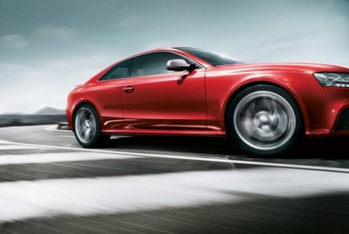 Primele imagini cu Audi RS520379