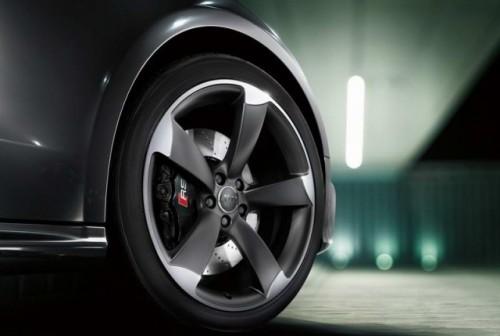Primele imagini cu Audi RS520391