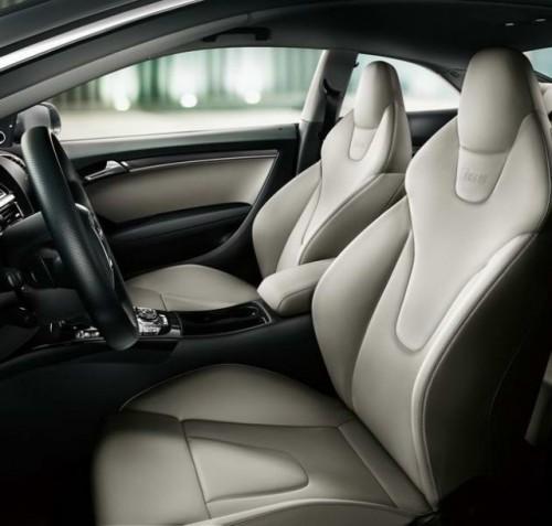 Primele imagini cu Audi RS520394