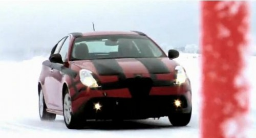 VIDEO: Alfa Romeo Giulietta in teste pe zapada20327