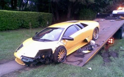 Incredibil: un Lamboghini Murcielago loveste un Ferrari 43020214