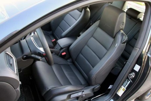 VW Golf GTI Masina Anului in Canada20019