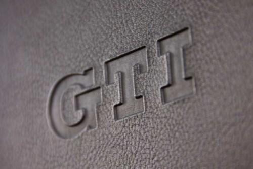 VW Golf GTI Masina Anului in Canada20043