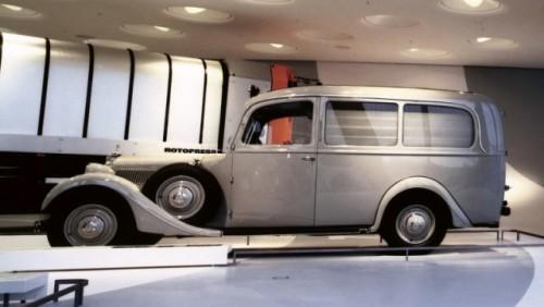 FOTO: Muzeul Mercedes-Benz din Stuttgart19678