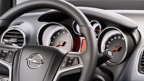Iata interiorul noului Opel Meriva!18921