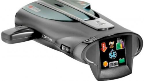 Cobra a lansat primul detector radar cu touchscreen18387