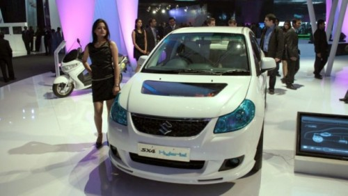 Suzuki prezinta hibridul SX418262