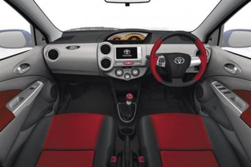 Noul model low-cost Toyota: Etios18246