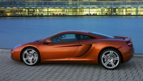 VIDEO: Jay Leno conduce noul McLaren MP4-12C18137