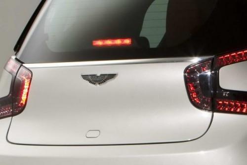 Premiera: Aston Martin Cygnet18066