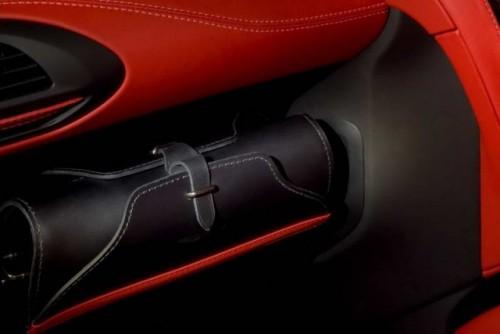 Premiera: Aston Martin Cygnet18069