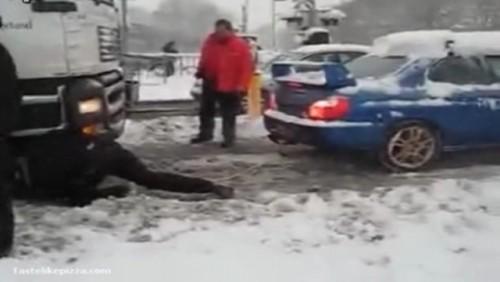 Video: Tir tractat de un Subaru WRX STI17977