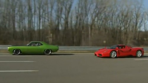 VIDEO: Plymouth Barracuda vs Ferrari Enzo17829