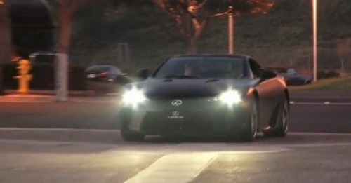 VIDEO: Lexus LF-A, surprins pe strada17638