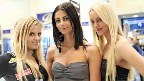 Cele mai sexy fete de la Essen Motor Show17426
