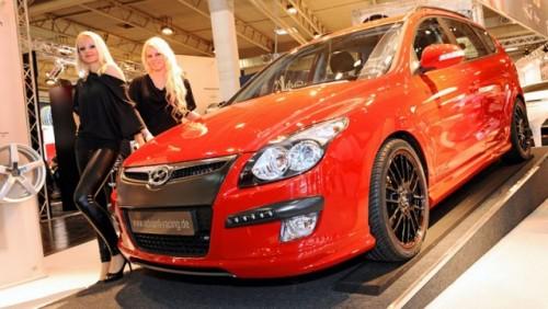 Cele mai sexy fete de la Essen Motor Show17432