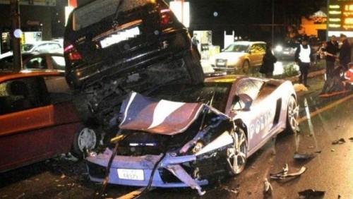 Politia italiana a distrus Lamborghini-ul din dotare17315