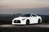 Nissan GT-R de la alb mat la crom lucios17152