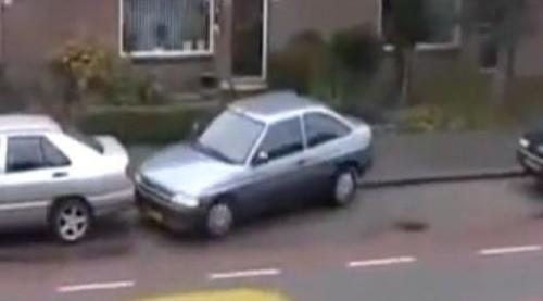 VIDEO: Cea mai proasta parcare posibila16847