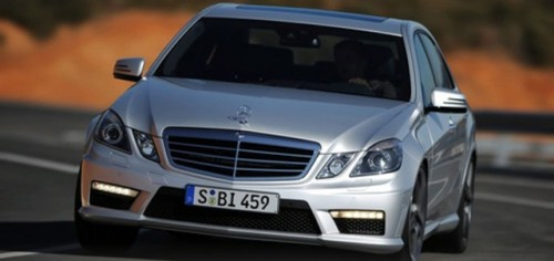 VIDEO: Mercedes E63 AMG vs. Porsche Panamera16824