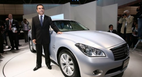 Carlos Ghosn anunta un Infiniti electric16457